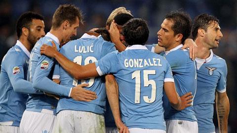 Vòng 15 Serie A: Mauri đưa Lazio vào top 3, Palermo thắng Sassuolo phút chót