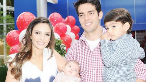 Kaka giành quyền nuôi con với vợ