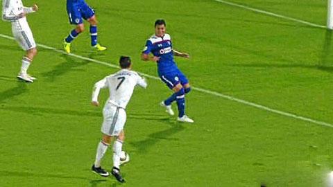 Ronaldo bị gọi là gã hề sau cú rabona bất thành