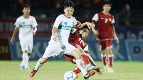 Bình luận V-League 2015: Chờ làn gió mới