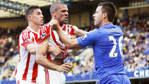 """Chelsea coi chừng """"đất chết"""" Britannia!"""