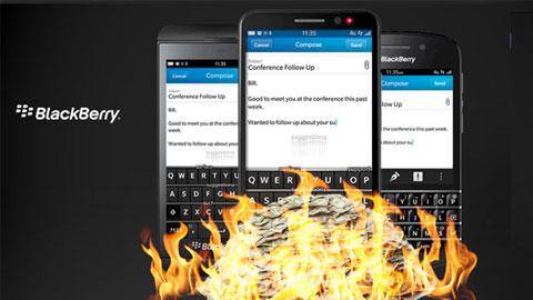 """BlackBerry hợp tác với Boeing sản xuất smartphone """"tự hủy"""""""
