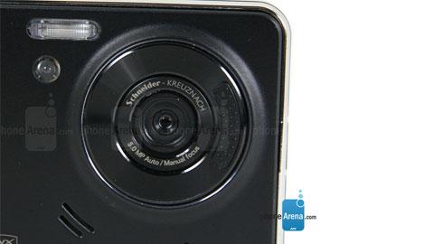 Đâu là smartphone đầu tiên có camera chống rung?