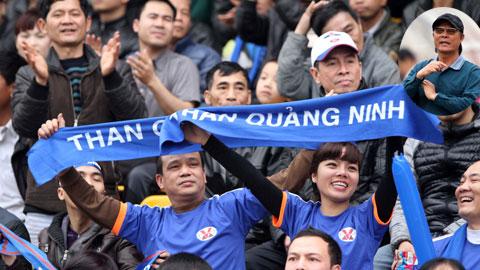 """HLV Nguyễn Thành Vinh: """"Muốn sân đông, phải thi đấu vì khán giả!"""""""