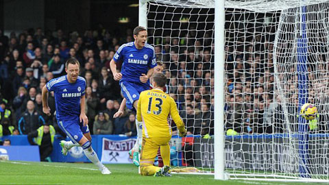 Khác với Lampard, Mourinho muốn