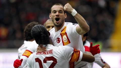 Quên thù cũ, Juve ngắm Sneijder