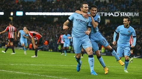 Không có Lampard, Man City đã kém Chelsea 7 điểm
