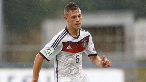 """X player: Joshua Kimmich – """"Philipp Lahm mới"""" của người Đức"""