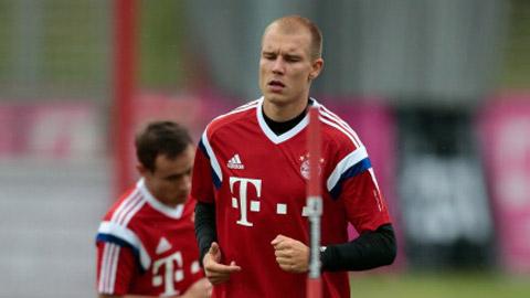 Bayern đón tin vui: Badstuber tập nặng trở lại
