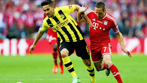 Dortmund chào 2015 bằng còi báo động!