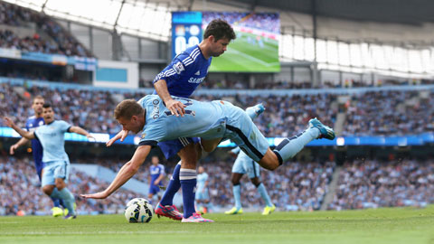 Cuộc đua vô địch: Chelsea sẽ lại sớm bỏ xa Man City?