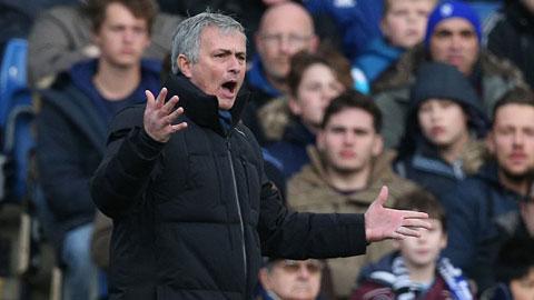 HLV Mourinho nổi điên khi Chelsea bị từ chối penalty