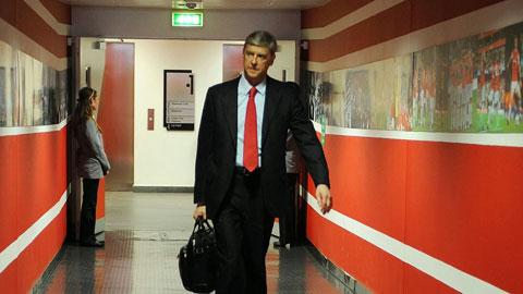 Wenger đóng cửa công ty riêng