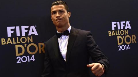 Ronaldo nhớ Sir Alex, đặt mục tiêu đuổi kịp Messi