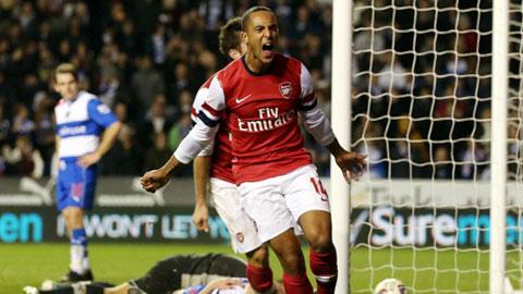 Ngoài Sanchez, Walcott cũng là cứu tinh của Arsenal thời gian tới?