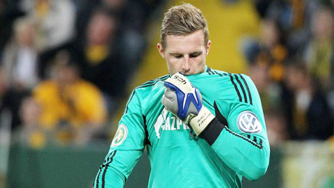 Schalke & Dortmund thiếu thủ môn giỏi
