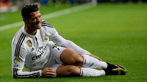 Ronaldo xin lỗi NHM sau thất bại của Real