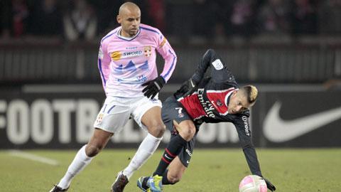 20h00 ngày 18/1, PSG vs Evian: Ngai vàng chông chênh