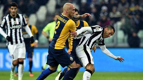 Juventus 4-0 Verona: 5 điểm rồi nhé Roma!