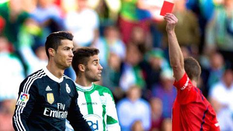 Thẻ đỏ của Ronaldo: Giận dữ hay ác ý?