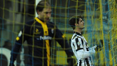 """Parma 0-1 Juventus: """"Bà đầm già"""" nhọc nhằn vào bán kết Coppa Italia"""
