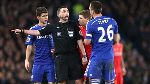 Chelsea liên tục nhận các quyết định bất lợi từ trọng tài