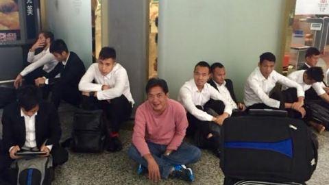Các cầu thủ B.BD đã mắc kẹt hơn 1 ngày tại Quảng Châu