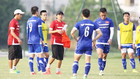 ĐT Việt Nam trước trận gặp Thái Lan: Chỗ dựa vững chắc từ HLV Miura