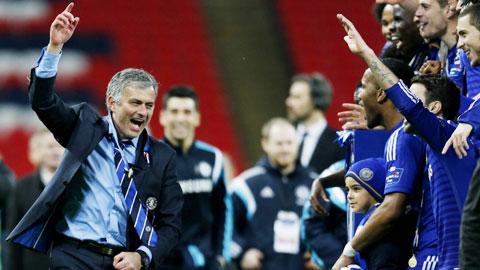 Cuộc chiến trên băng ghế huấn luyện: Mourinho và phần còn lại