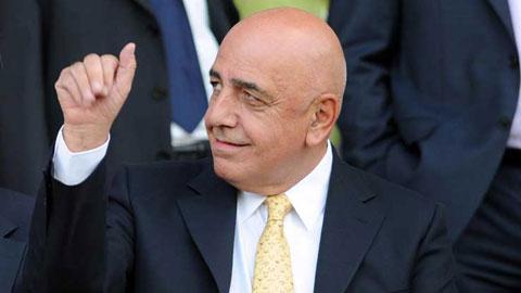 Sếp bự Milan sang Madrid, úp mở đàm phán với Ancelotti