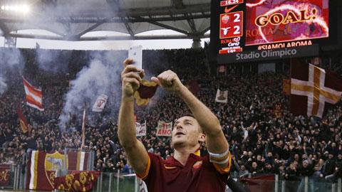 'Selfie' nữa chứ, Francesco Totti?