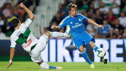Real Madrid bắt đầu mùa 'đại hạ giá'
