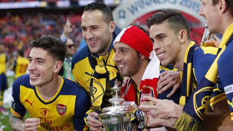 Arsenal hưởng lợi nhờ phong độ của Cazorla