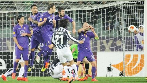 Chung kết Champions League: Không dễ để Pirlo trổ tài sút phạt