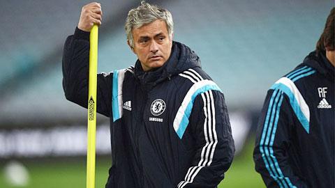 Mourinho: 'Những HLV không chơi phản công là ngu dốt'