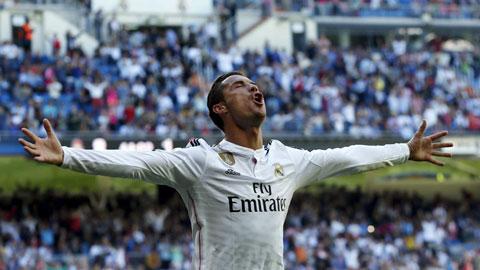 Vì sao Ronaldo hợp đá trung phong?