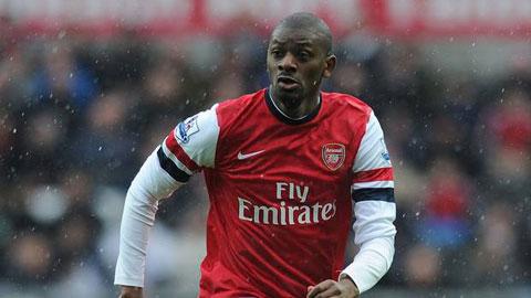 Abou Diaby rời Arsenal sau 9 năm gắn bó