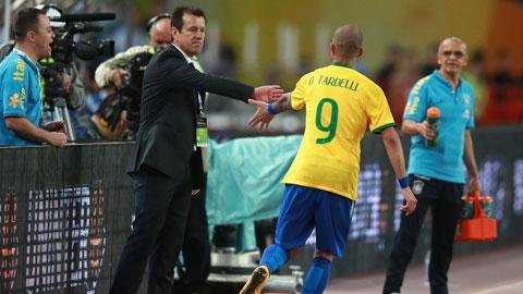 Copa America 2015: Khi hàng hiệu thành hàng chợ