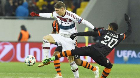 Bayern Munich: Schweinsteiger bóng gió ra đi