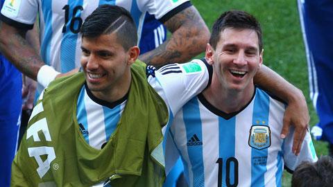 Hàng công Argentina: Đã tới lúc Aguero thoát bóng Messi