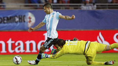 ĐT Argentina: Aguero thắng trong 'cuộc chiến số 9'