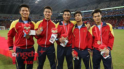 Chùm ảnh: Cầu thủ U23 Việt Nam nhận huy chương đồng SEA Games 28