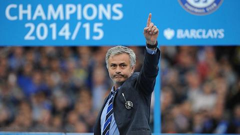 Chelsea tăng lương, giữ chân HLV Mourinho đến 2019