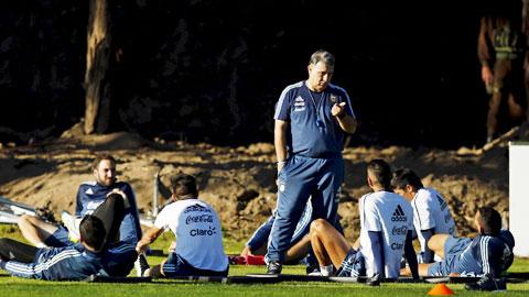 HLV Martino sẽ xáo trộn đội hình Argentina