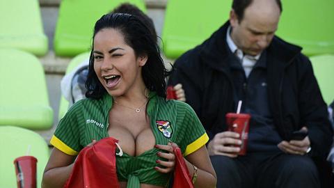 Các hotgirl hâm nóng khán đài Copa America 2015