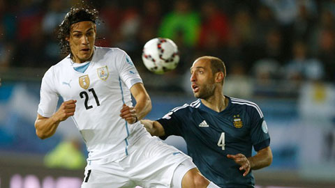 "Lại ""chung kết"" Paraguay - Uruguay"