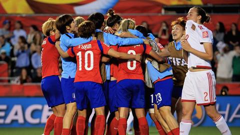 World Cup nữ 2015: Hàn Quốc giành vé trước mũi Tây Ban Nha