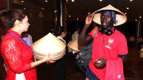 Sagna sớm thực hiện lời hứa với fan Việt Nam