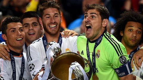 Ronaldo lo lắng bị Real đối xử giống như Casillas và Ramos