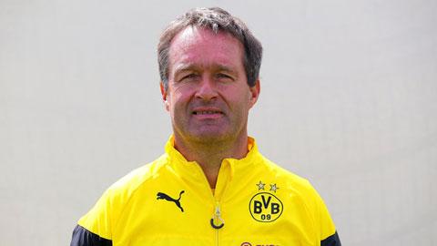 Bayern Munich bổ nhiệm bác sỹ của Dortmund